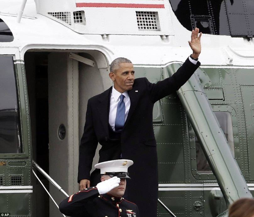 3C54DC7D00000578-4140672-Barack_Obama_waves_as_he_boards_Marine_One_and_departs_the_Capit-a-77_1484945371469